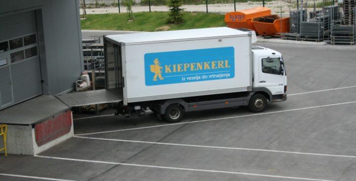 Sigr Bizjak dostavno vozilo med odlaganjem