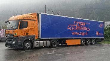 Sigr Bizjak parkirano tovorno vozilo/iz strani#2